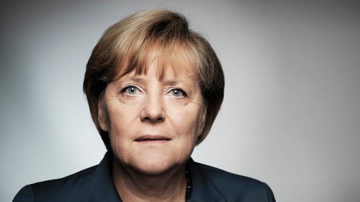 SONDAJ: Majoritatea germanilor nu acuză politica Angelei Merkel privind refugiații
