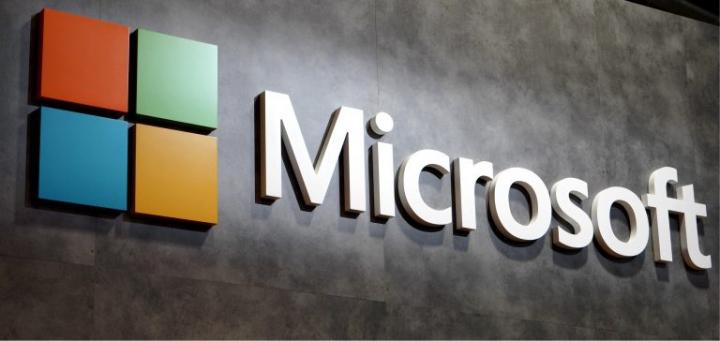 Ironia Microsoft la adresa Apple (Video)