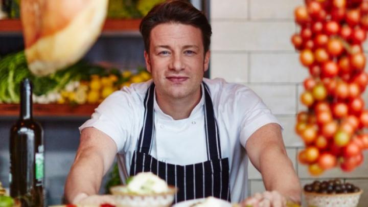 Jamie Oliver, tătic pentru a cincea oară (FOTO)