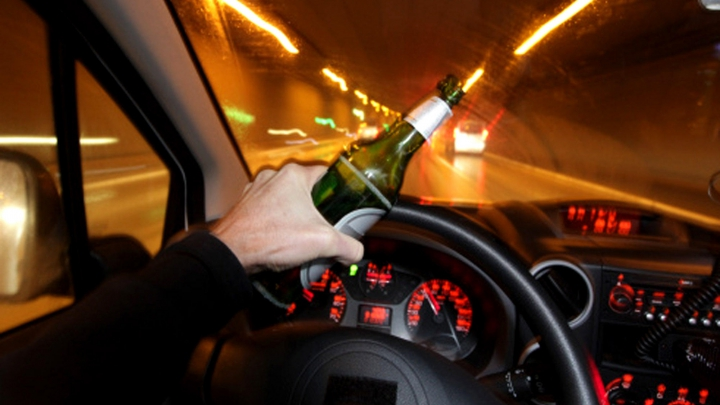 Un şofer moldovean, în stare de ebrietate, a provocat GROAZĂ ŞI TEROARE pe o stradă din Savona