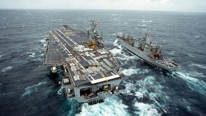 Tensiuni în Golful Persic. O navă americană a tras focuri de avertisment spre o navă iraniană