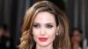 Angelina Jolie se mută cu copiii în Malibu. Un star celebru o consolează pe vedeta în prag de divorţ