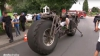 """E cea mai grea bicicletă din lume: Cât a costat """"uriaşul"""" pe două roţi (VIDEO)"""