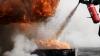 INCENDIU DEVASTATOR la o fabrică de mase plastice: Opt pompieri au murit