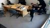 ŞOCANT! O fetiță de 6 ani a încercat să apere un bărbat de un atacator înarmat cu un topor (VIDEO)