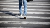 NEATENŢIE la volan! Un copil a fost lovit de un vehicul în timp ce traversa strada regulamentar (VIDEO)