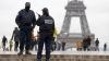 Turnul Eiffel a fost închis pentru public. Ninsorile le dau bătăi de cap autorităţilor din Paris