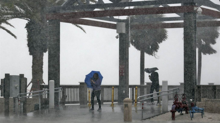 Stare de urgenţă în Florida! Se apropie o furtună tropicală cu efecte DEVASTATOARE