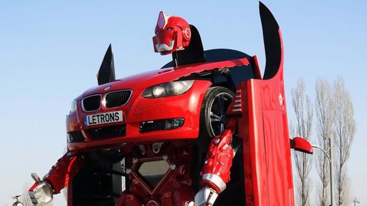 Vei rămâne mască! Turcii au inventat un roadbot asemănător celor din filmul Transformers (VIDEO)