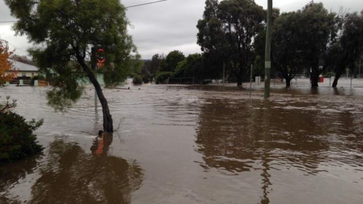 Inundaţii DEVASTATOARE în Australia! Sute de oameni au fost evacuaţi
