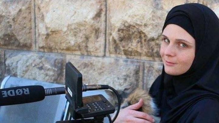 O jurnalistă americană, arestată la graniţa Turciei cu Siria. Ce acuzaţii i se aduc