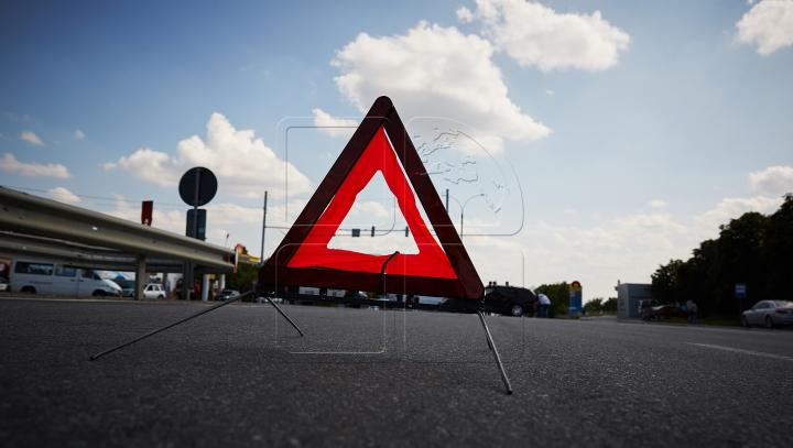 ACCIDENT GRAV în Centrul Capitalei. Două vehicule s-au ciocnit (FOTO)