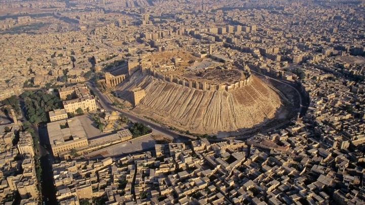 Alep, un oraş vechi de milenii, premiul cel mare în războiul care devastează Siria. DETALII NECUNOSCUTE