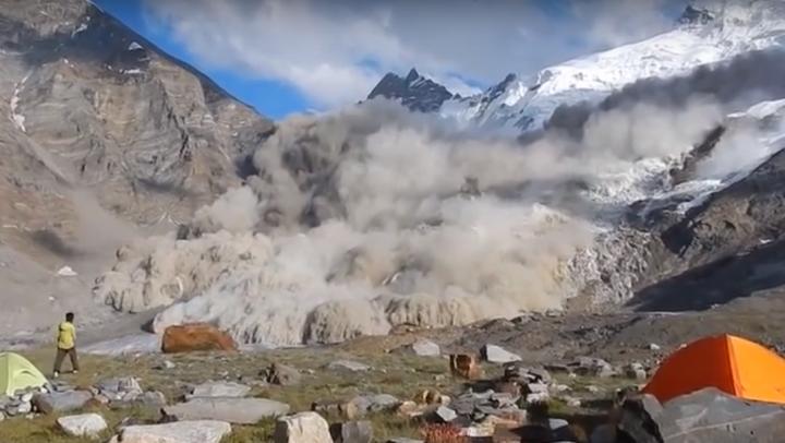 Imagini INCREDIBILE surprinse de mai mulţi cercetători aflaţi pe un munte în India (VIDEO)