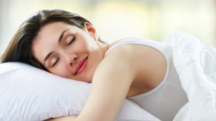 BINE DE ŞTIUT! Dormitul pe partea stângă are efecte incredibile asupra organismului