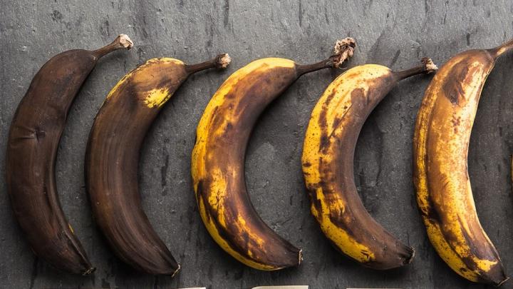 Ce se întâmplă în organism atunci când mâncăm banane cu cuoaja neagră? Anunţul cercetătorilor japonezi