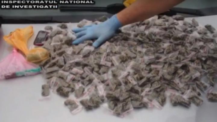Droguri de peste UN MILION de lei, confiscate. DETALII despre o acţiune de amploare a poliţiştilor