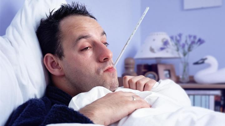 Ai nasul înfundat şi ai început să tuşeşti? Ai putea suferi de RĂCEALĂ DE TOAMNĂ! Iată cum scapi de ea