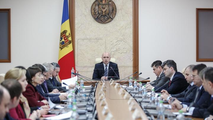 Până la finele lunii, Guvernul îşi propune să realizeze toate angajamentele luate faţă de FMI