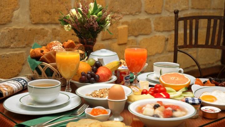 De ce te simţi slăbit dacă nu iei micul dejun. Care sunt recomandările nutriţioniştilor