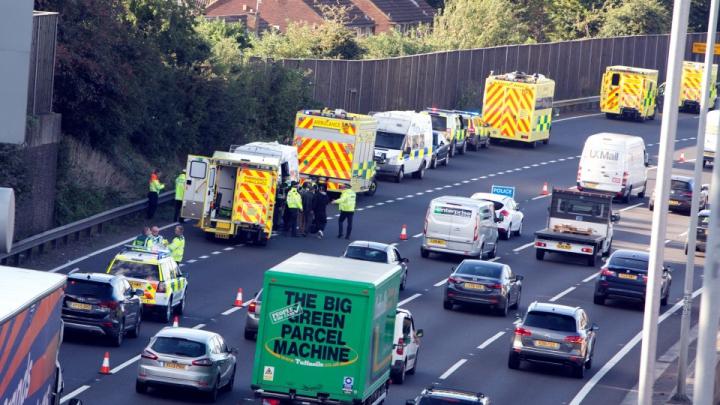16 imigranți, descoperiți într-o camionetă din Marea Britanie. De unde veneau aceştia