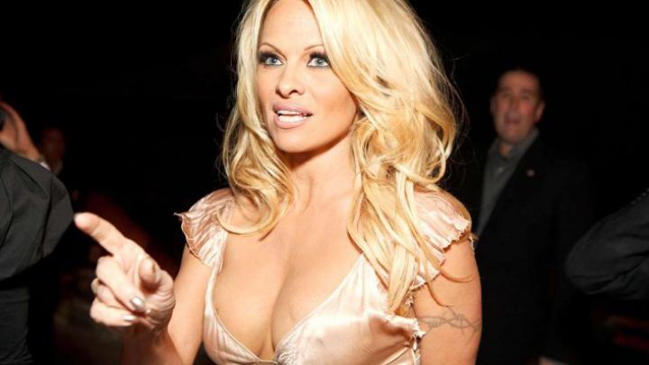 Pamela Anderson a început o campanie publică împotriva filmelor pentru adulţi