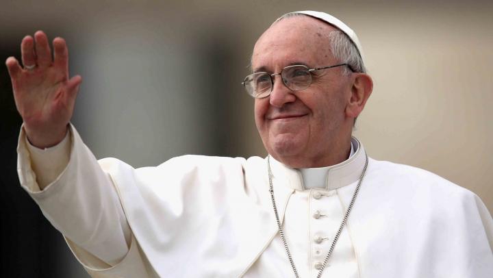 Papa Francisc a fost invitat în România