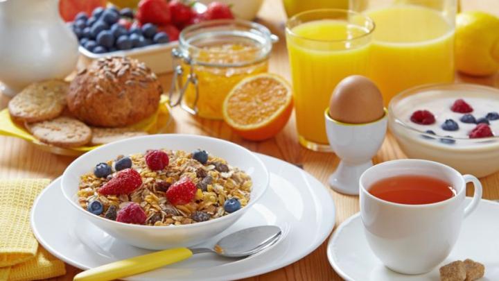 6 idei ca să-ţi faci un mic dejun sănătos în 5 minute
