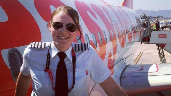 Povestea celei mai tinere femei pilot din lume. Cine este şi câţi ani are