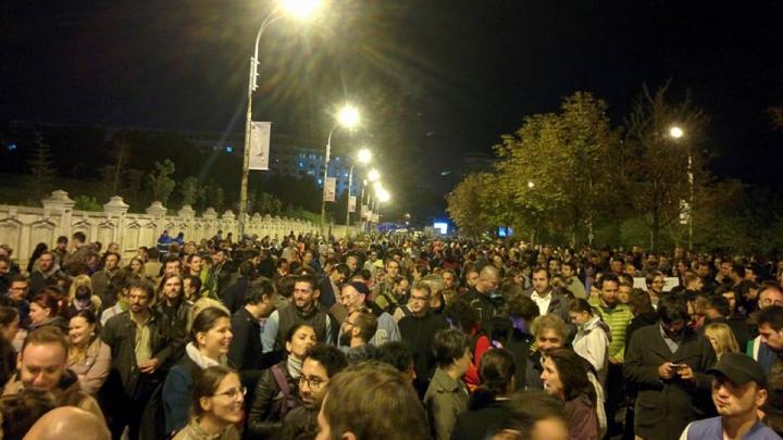 Protest în Bucuresti după ce Senatul a refuzat ridicarea imunității lui Gabriel Oprea