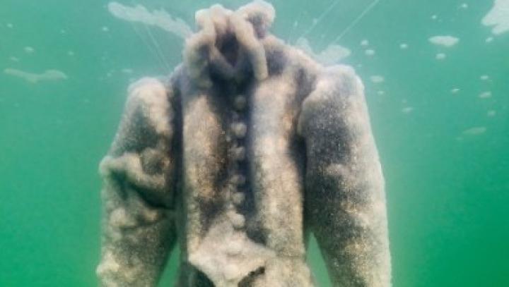 UIMITOR! Această ciudăţenie vine din adâncurile Mării Moarte (FOTO)