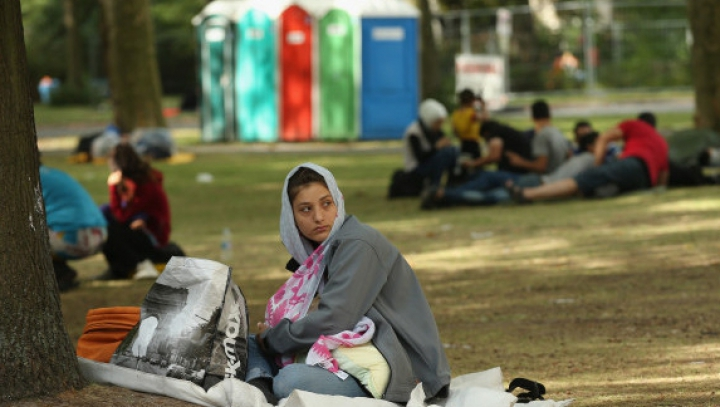 Amnesty International ACUZĂ Ungaria de abuzuri împotriva refugiaților