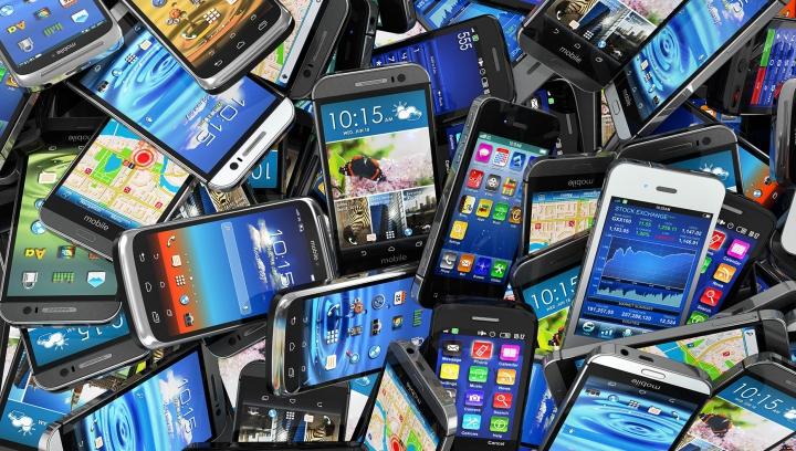 Piaţa smartphone-urilor, aproape saturată. Cum s-a schimbat dinamica vânzărilor în 2016, faţă de anii precedenţi