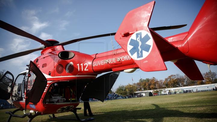 Consulul României, lovit pe trecerea de pietoni, a fost transportat cu elicopterul SMURD la Iaşi