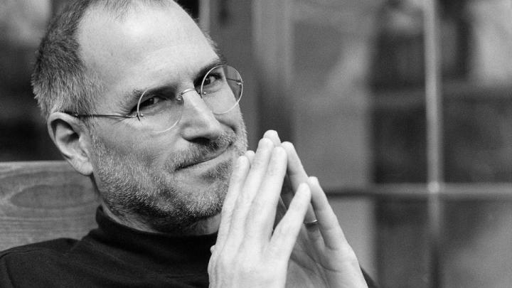 Jacheta lui Steve Jobs, scoasă la licitație. Vezi care este prețul de pornire (FOTO)