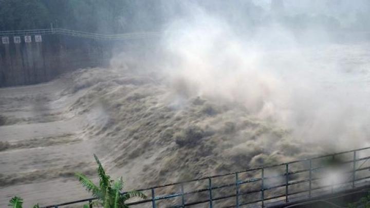 Sute de mii de oameni au rămas fără locuințe după ploile torențiale aduse de taifunul Haitang