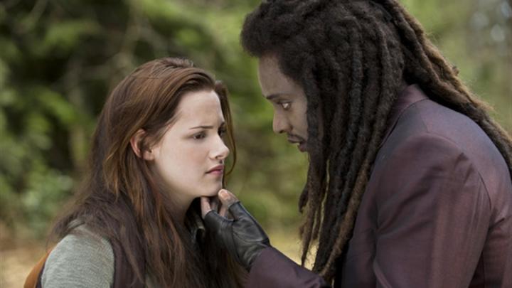 """Starul hollywoodian din """"Twilight"""" joacă în noul videoclip Fly Project"""