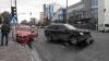 IMPACT PUTERNIC! Un Volvo şi un taxi s-au ciocnit frontal în centrul Capitalei (FOTO)