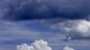 Cer posomorât şi ploi pe arii extinse. Ce valori vor indica termometrele în weekend