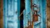 CAZ ÎNFIORĂTOR! Un tată şi-a închis fiul în beci timp de 20 de ani. Arăta ÎNGROZITOR