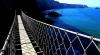 Îţi taie respiraţia! Cele mai ÎNSPĂIMÂNTĂTOARE poduri din lume (FOTO)