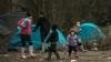 """""""Este o datorie morală"""". Londra va primi sute de copii migranţi din tabăra de la Calais"""