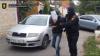 Bonnie şi Clyde de Moldova: Au pătruns în casa unei femei, au bătut-o şi au jefuit-o (VIDEO)