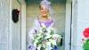 Dragostea nu are vârstă! O mireasă de 86 de ani a impresionat Internetul cu rochia ei spectaculoasă (FOTO)