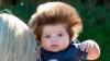 ADORABIL! Cum arată băieţelul născut cu un păr lung, des şi care creşte în sus (VIDEO)
