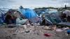 """Autorităţile franceze încep demolarea """"Junglei"""" de la Calais"""