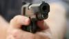 SCENĂ DRAMATICĂ ÎN BRAZILIA. Un poliţist a tras în doi hoţi într-o farmacie în timp ce ţinea un copil în braţe