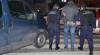 Doi infractori, căutați internațional, reţinuţi pe Aeroportul Chișinău şi extrădați autorităților europene