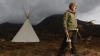 POVESTEA INCREDIBILĂ a unui tânăr care a renunţat la civilizaţie pentru a trăi într-un cort în sălbăticie