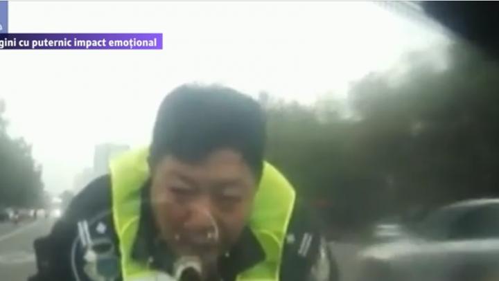 VIRAL PE INTERNET! Un polițist a fost purtat doi kilometri pe capota unei mașini (VIDEO)